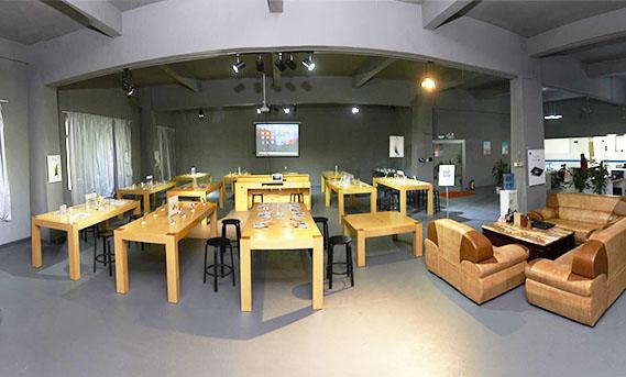 rech-company-sample-room