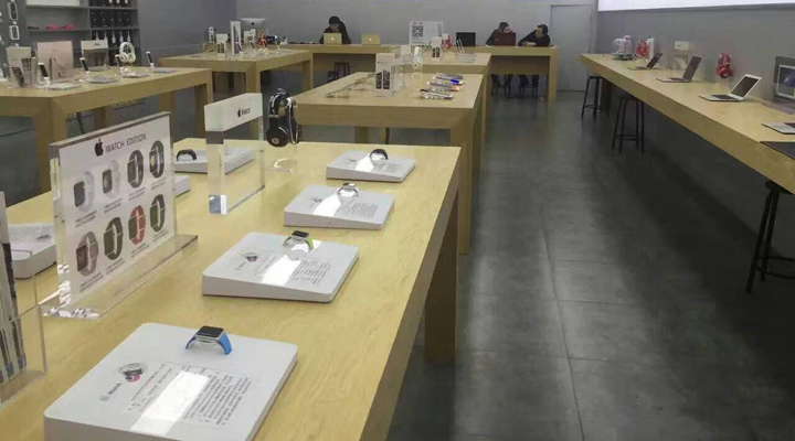 rechi total merchandising security solution for apple authorised reseller store