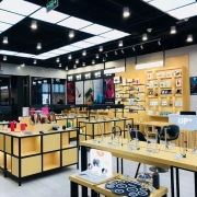 d phone lifestyle experience store